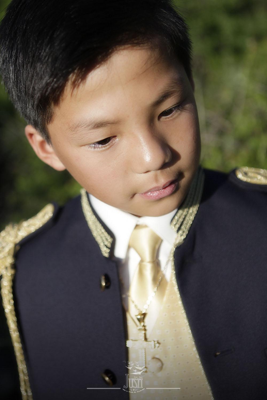 fotografía comunión niño oriental