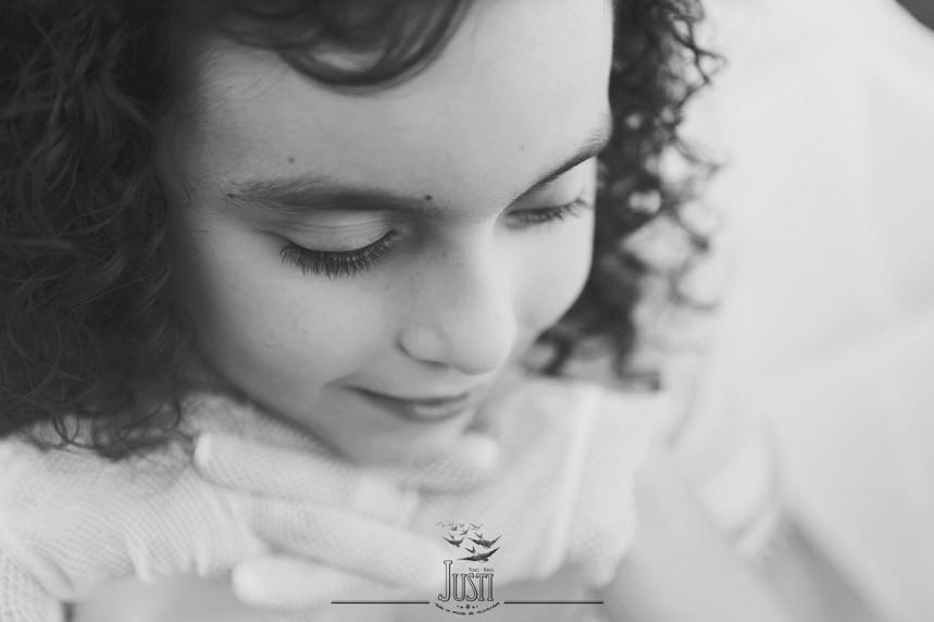 fotos profesionales de comunion niña orellana la vieja en casa