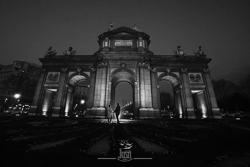 fotos preboda puerta de alcala Madrid