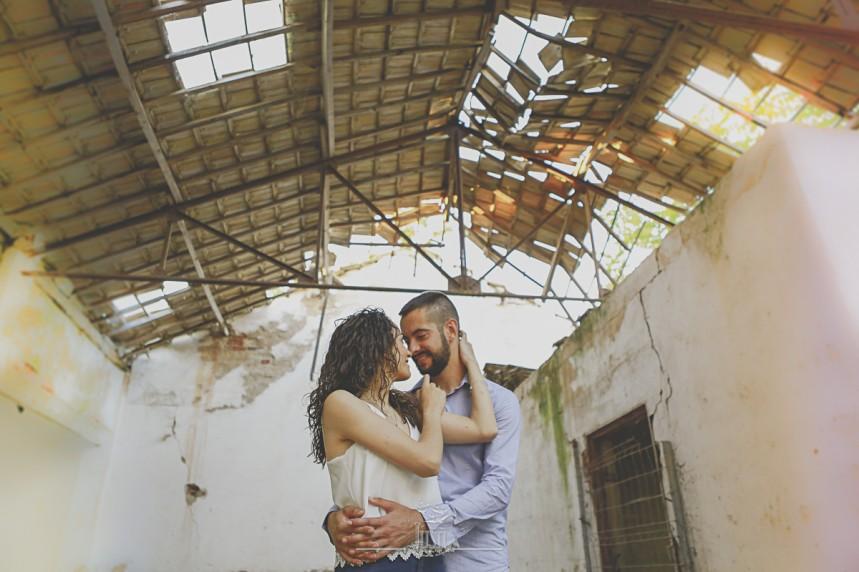 fotos pareja reportaje en casa en ruinas (3)