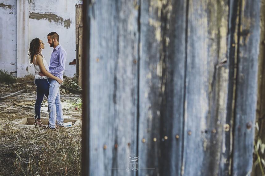 fotos pareja reportaje en casa en ruinas (4)