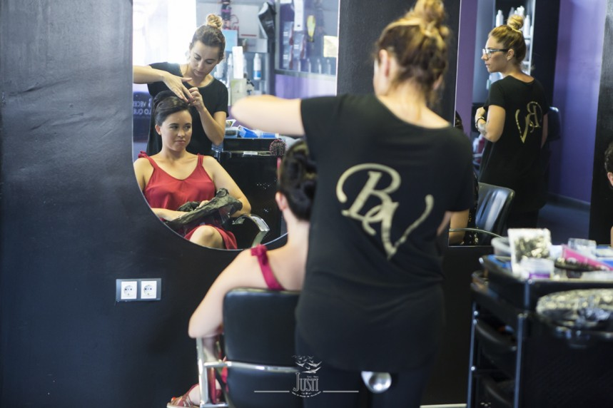 foto novia preparativos peluqueria