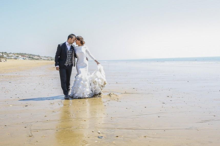 fotografias-profesionales-post-boda-en-el-rocio-y-la-playa-11-de-23