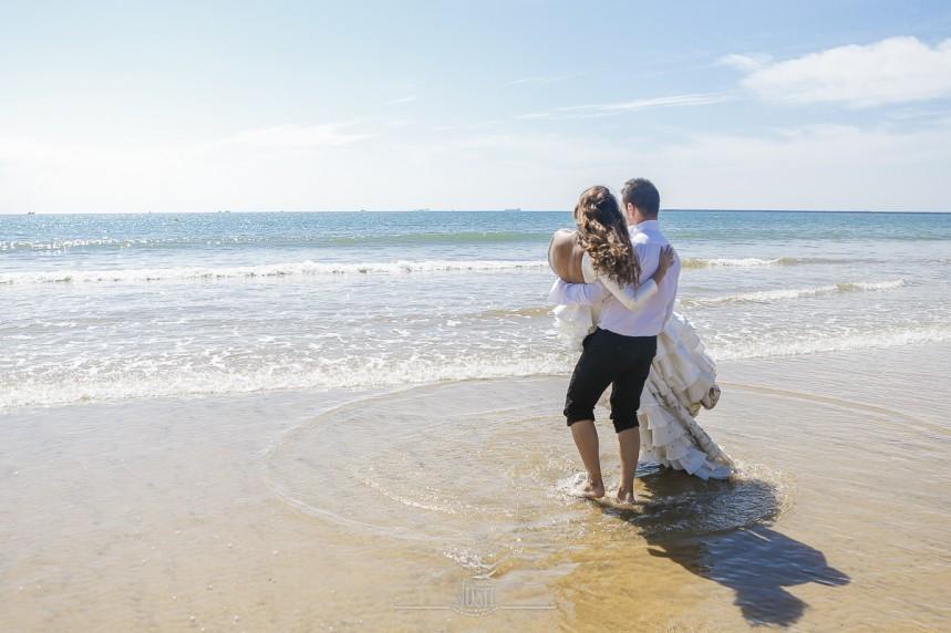 fotografias-profesionales-post-boda-en-el-rocio-y-la-playa-14-de-23