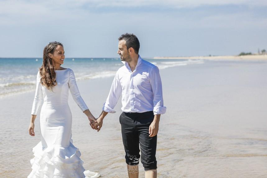 fotografias-profesionales-post-boda-en-el-rocio-y-la-playa-15-de-23