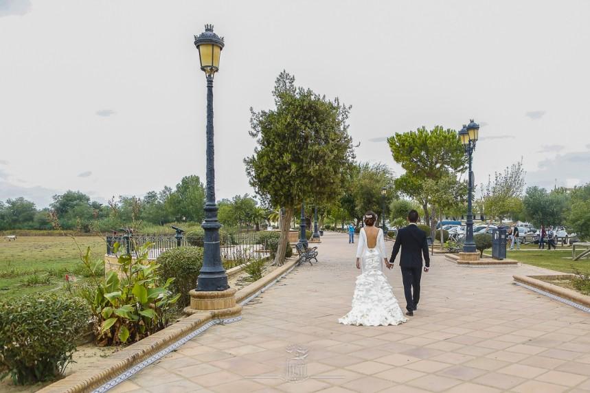 fotografias-profesionales-post-boda-en-el-rocio-y-la-playa-4-de-23