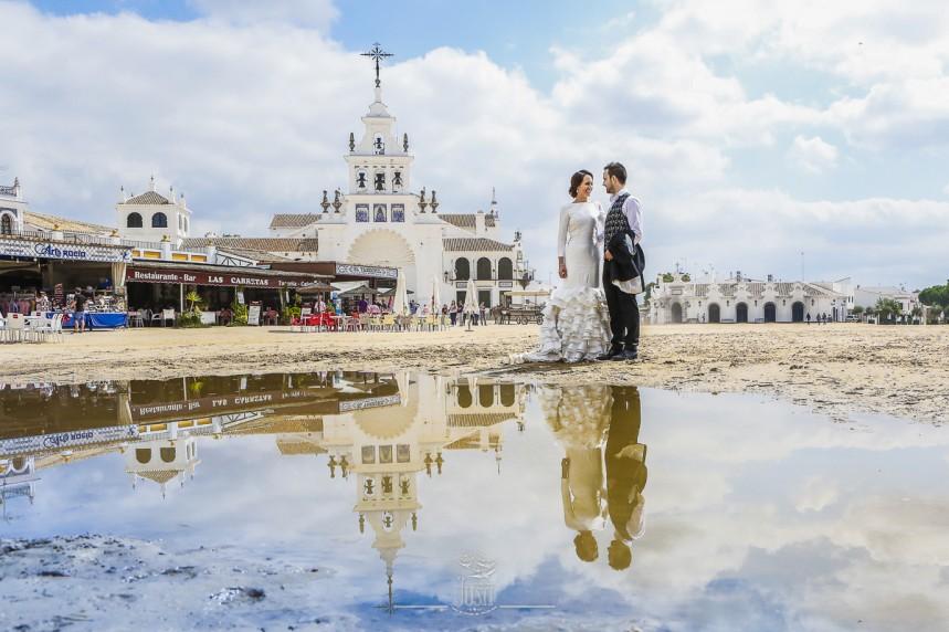 fotografias-profesionales-post-boda-en-el-rocio-y-la-playa-7-de-23